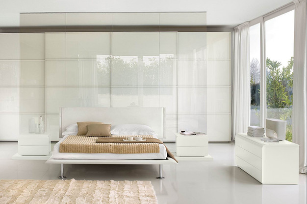 Luxury-Sliding-Wardrobe-Doors-with-White