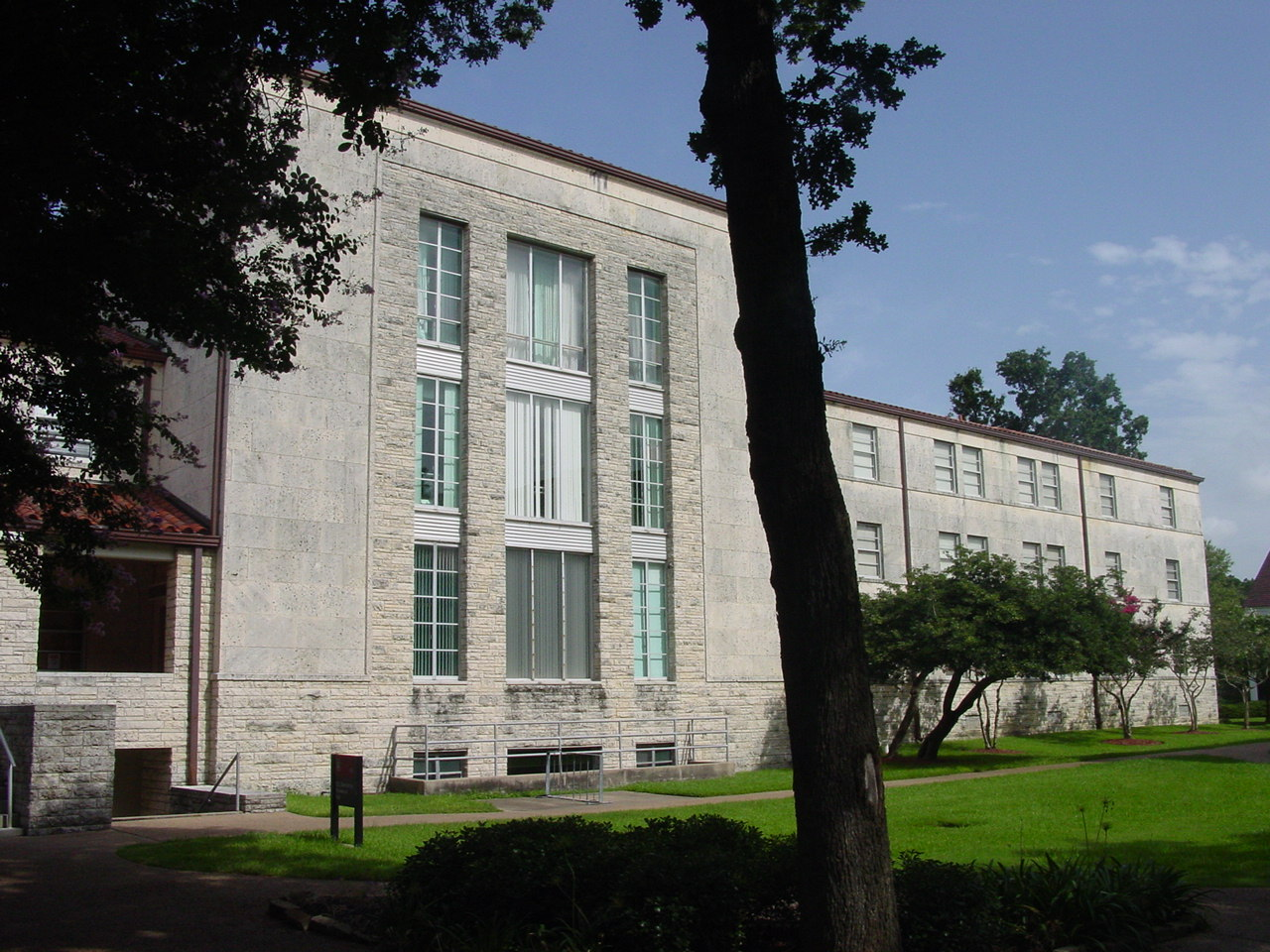 Oberholtzer Residence Hall
