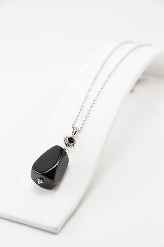 The Pinnacles Collection - Onyx Necklace