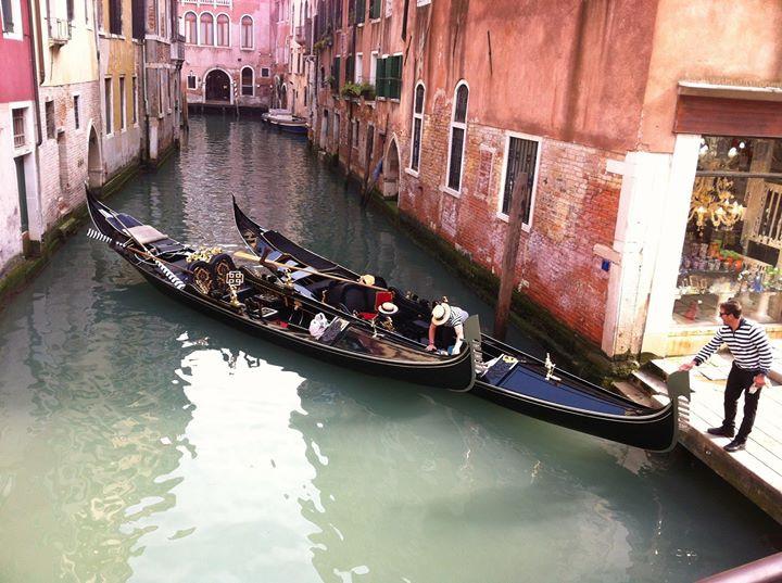 Gondoleros en Venecia Condesa de Mar