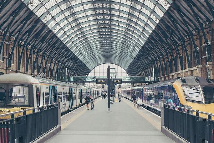 train-gare-partir-étranger-école