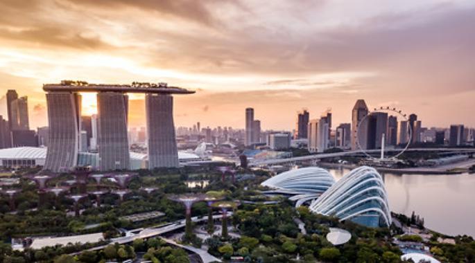 buildings - ville- moderne- commerce-étudier-étranger