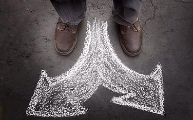 pieds-flèches-choisir-direction