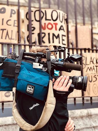 manifestation-caméra-journaliste