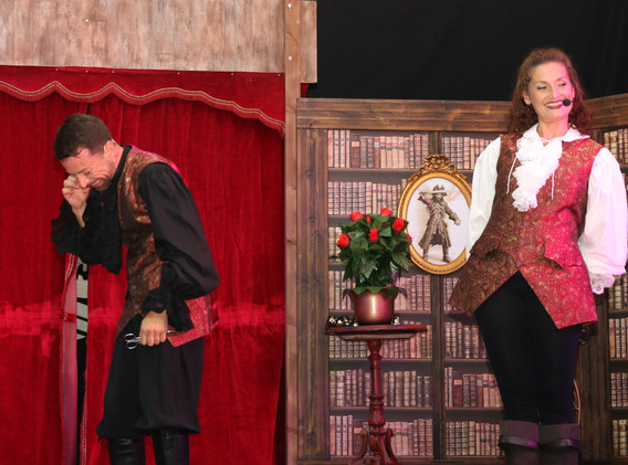 magicien ladruze et alice avec un fou ri
