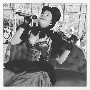 chanteuse Alice Fourmy