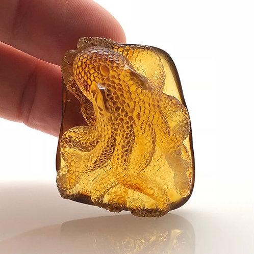 Amber Octopus Carving (AMB215)
