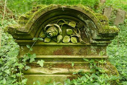 grave-3435728_1280.jpg