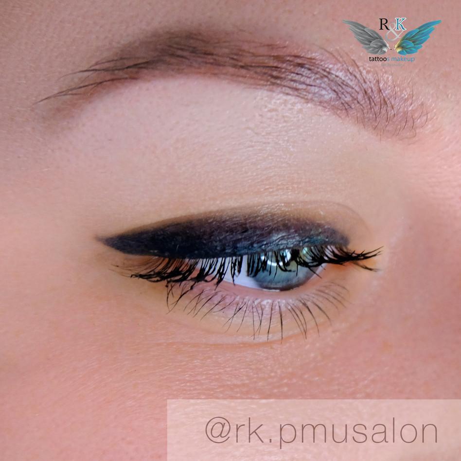 Наыпыление век, татуаж глаз в технике пудровая растушевка.