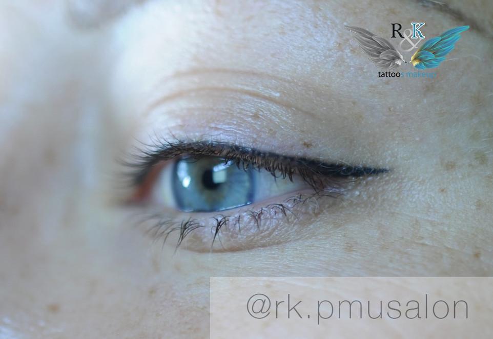 Перманентный татуаж век (глаз) - стрелочка с межресничной зоной.