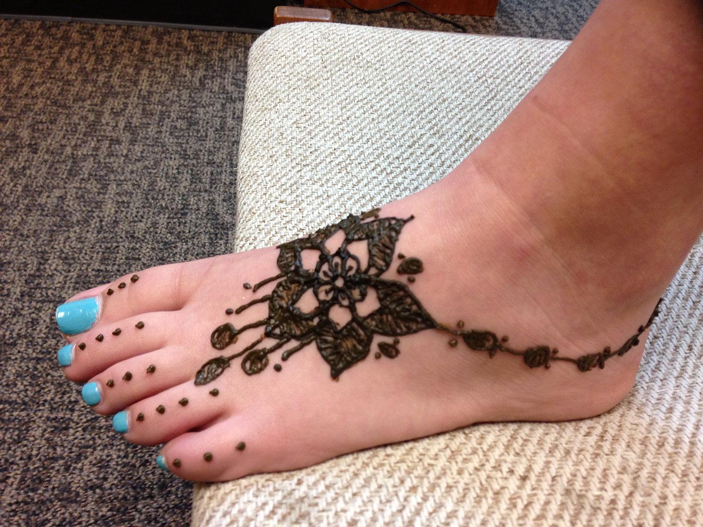 Mehndi For Ankle : Beautiful anklet mehndi design payal pazeb henna for