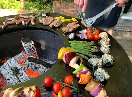 "No smoke BBQ means ""Social Grilling"" with your Friends and Family....what's not to like?"
