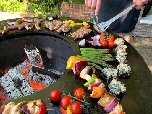 """No smoke BBQ means """"Social Grilling"""" with your Friends and Family....what's not to like?"""
