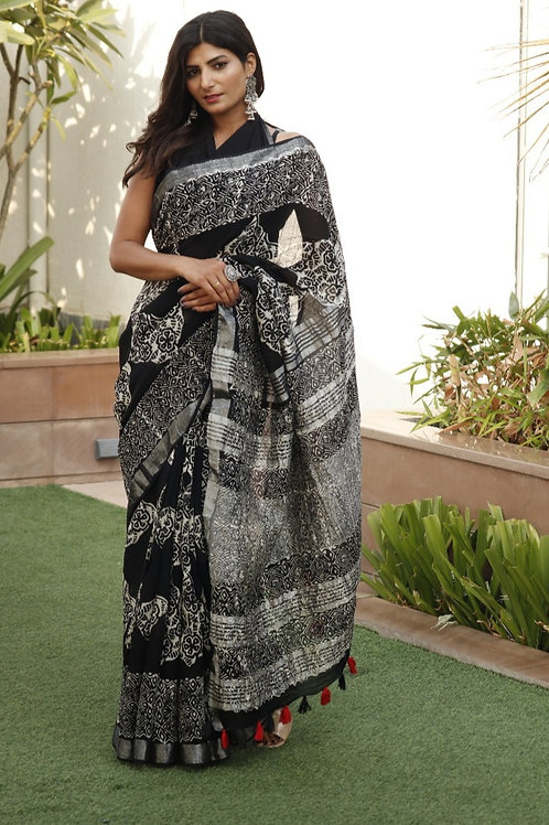 Women's Linen Block Printed Saree With Unstitched Blouse