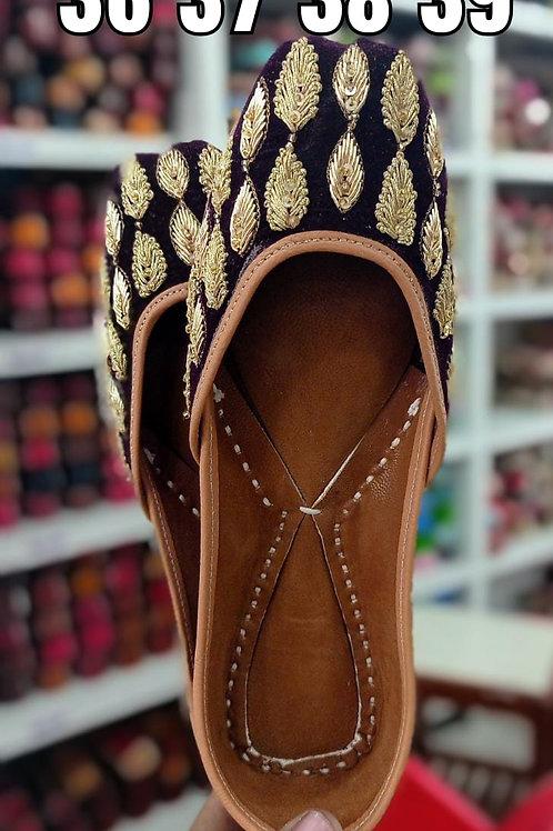 Genuine Leather Designer Jutti  Set