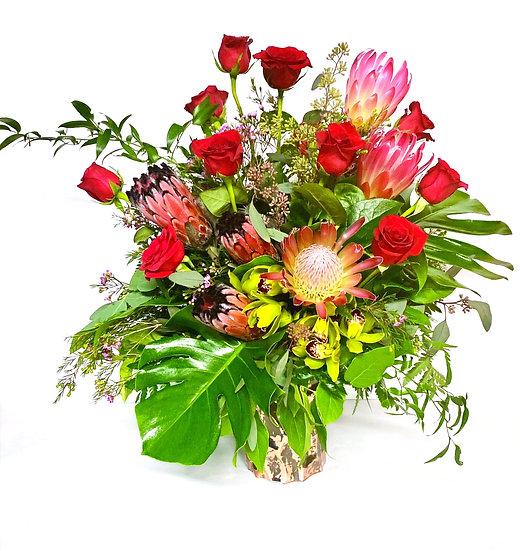Supreme Tall Dozen Roses Arrangement