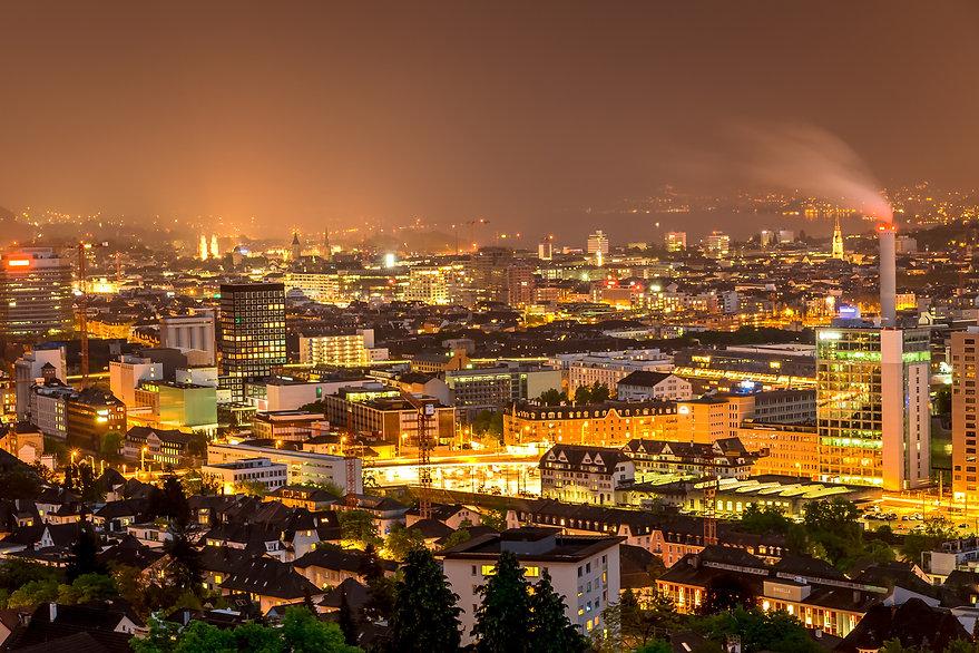 stadt-zuerich-bei-nacht-7528235f-970f-41