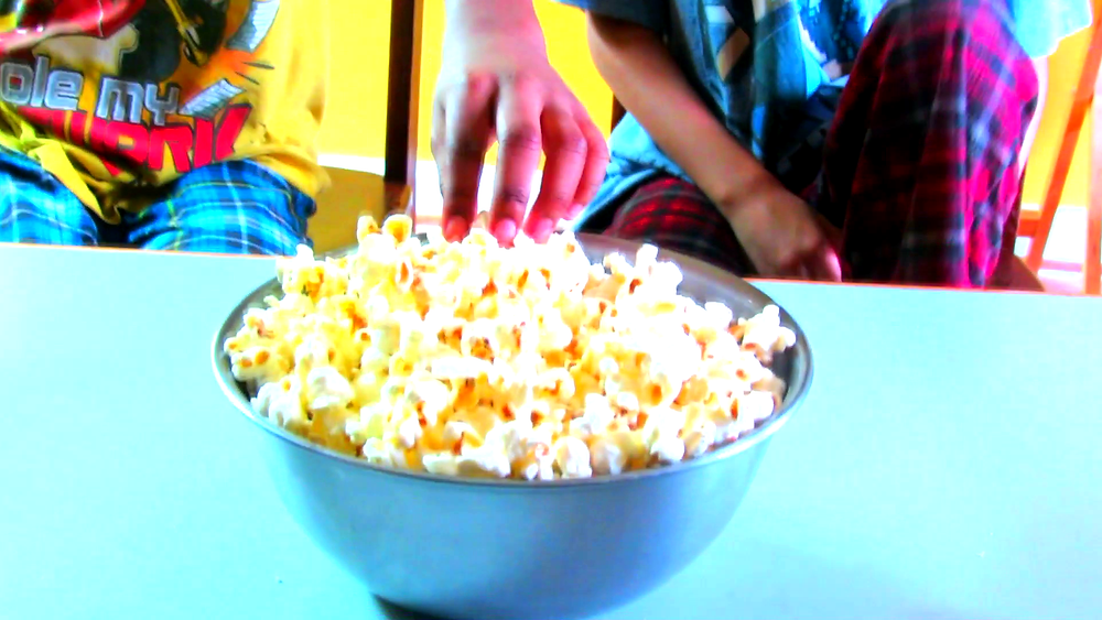 HOW TO MAKE POPCORN ON THE STOVE AT HOME