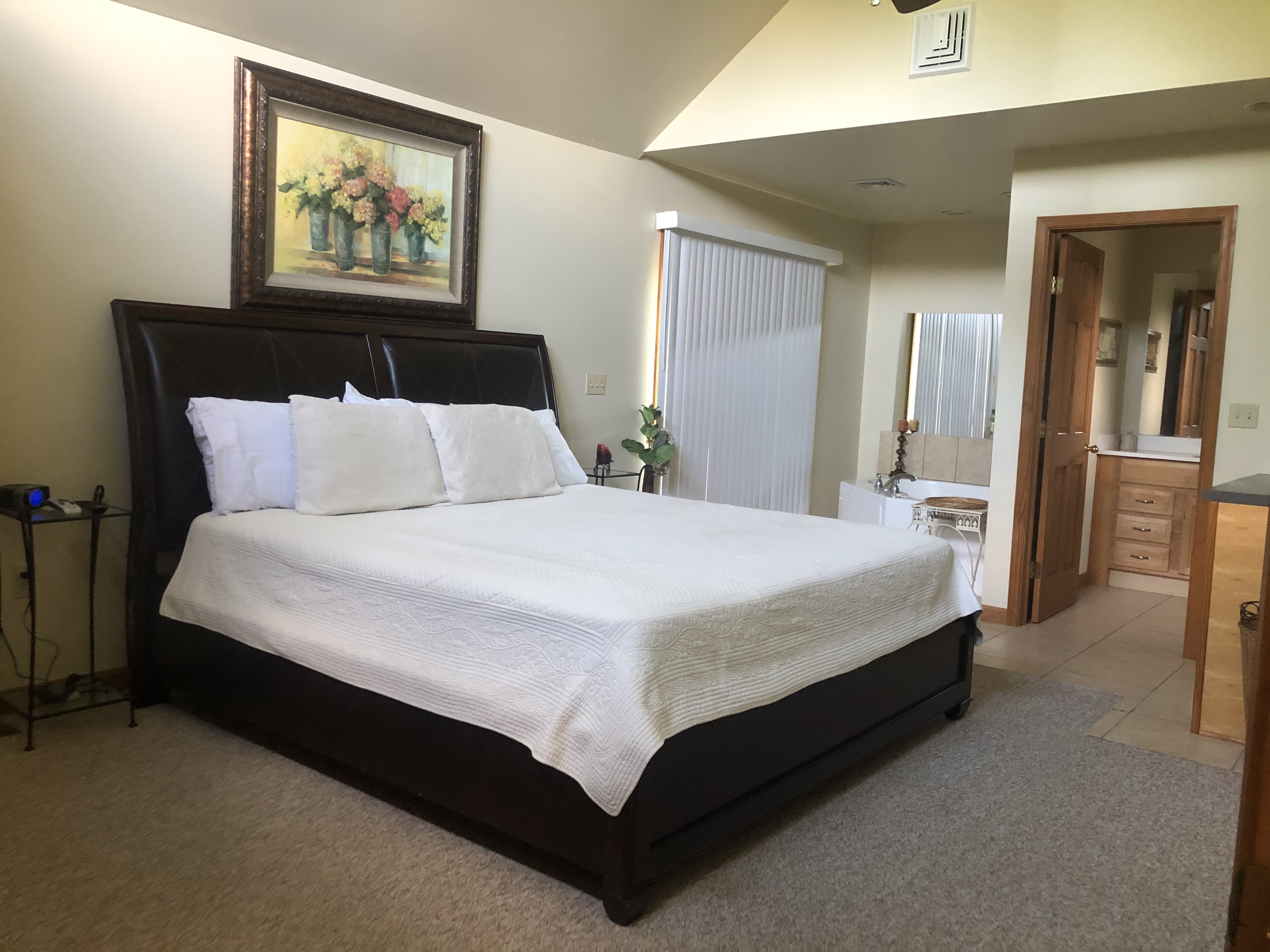 2 Bed / 2 Bath Master Suite