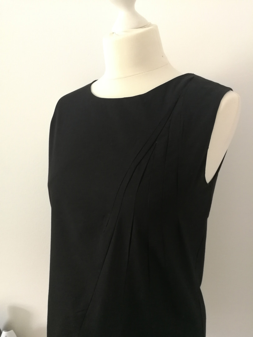 Organic pleated top - black