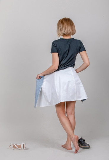 Reversible skirt in White and blue check