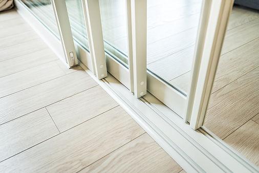 sliding glass door repair expert