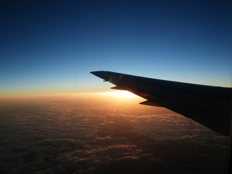 雲上のJAL機中から