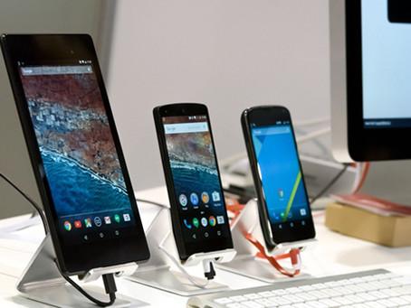 Dlaczego smartfony są coraz większe?