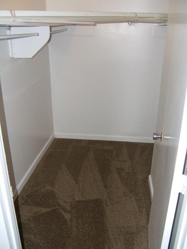 HUGE Walk In Closet 1 Bedroom!