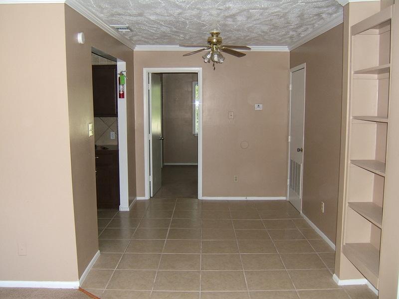 1 Bedroom Dinning Area
