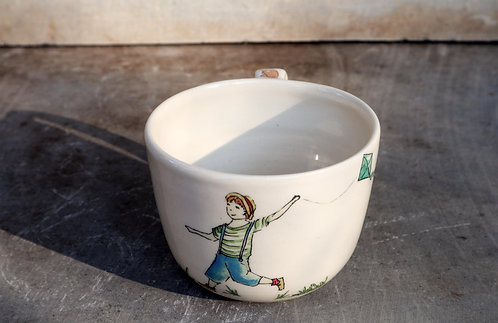 TEA CUP No.3 flying a kite