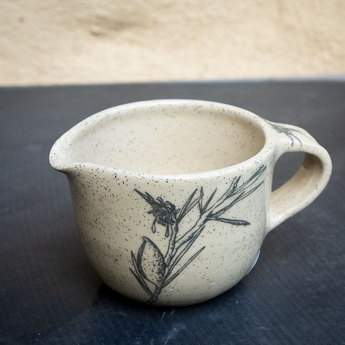 Small pouring bowl with handle No.59