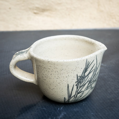 Small pouring bowl with handle No.58