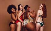 Groep van verschillende vrouwen