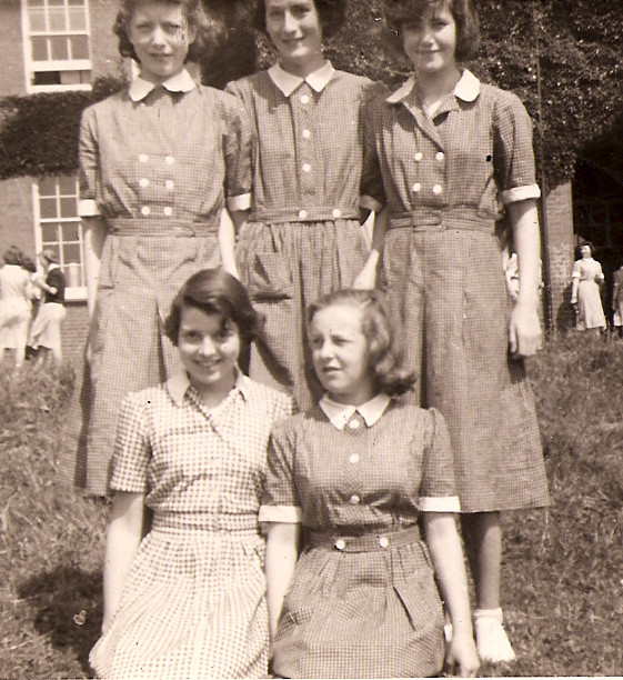 1953MumAtSchool.jpg