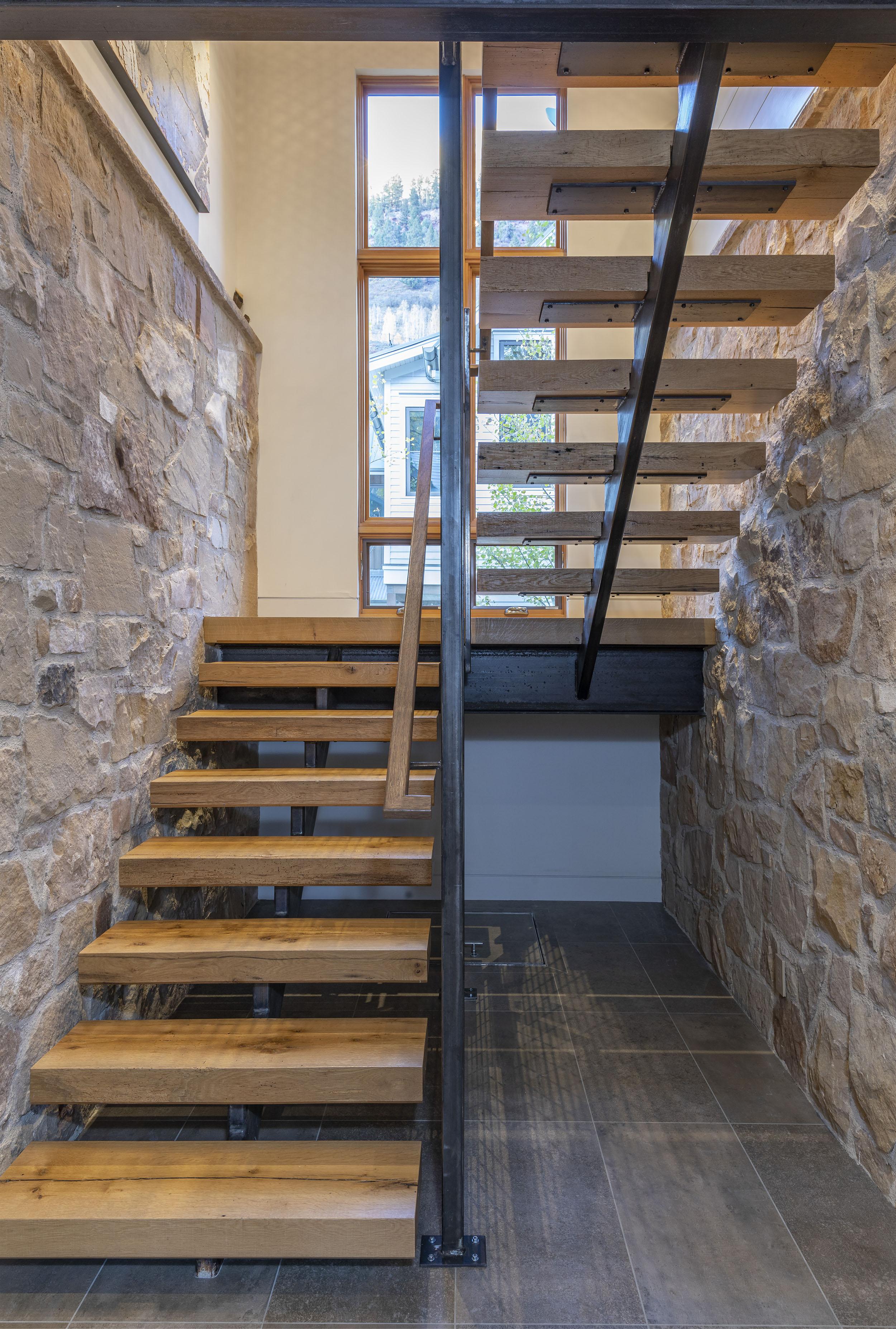 StairsVert_WEBRES