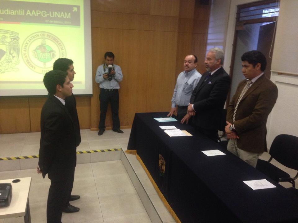 Presentación oficial con el Director