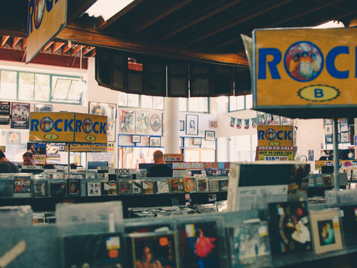 5 Reasons Why CD'S Need to Return (The Resurgence of the Compact Disc)
