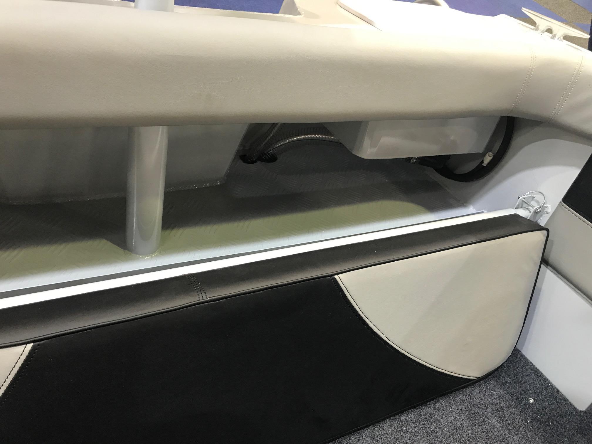 Folding Rear Lounge