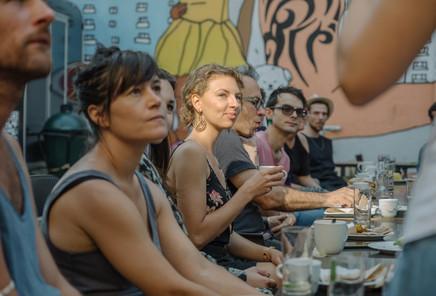 Raňajky s umelcami