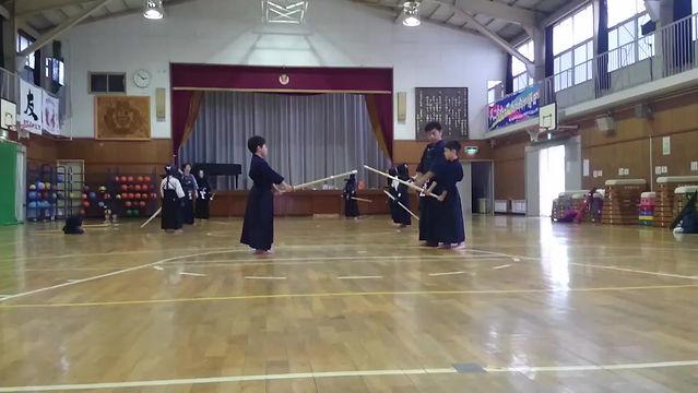 加賀原剣友会の稽古風景です