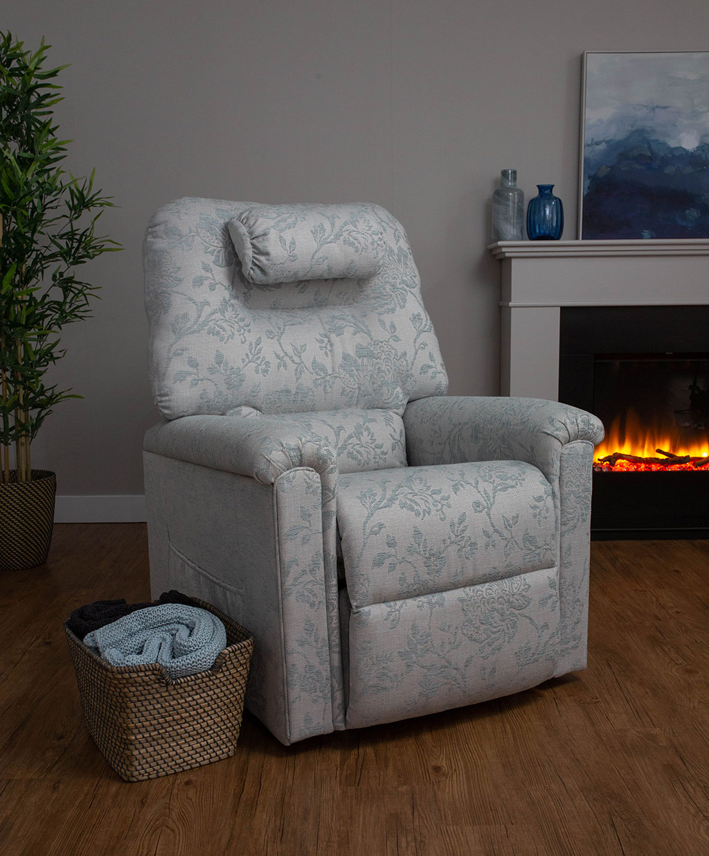 Blenheim riser and recline chair