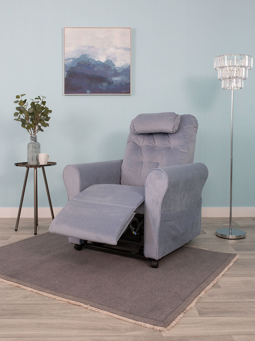 Adjustamatic Conway rise and recline chair