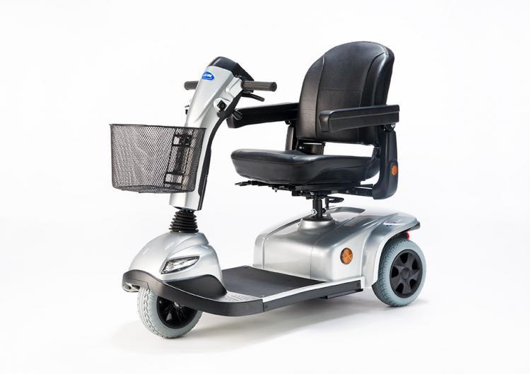 Invacare leo silver three wheels.jpg