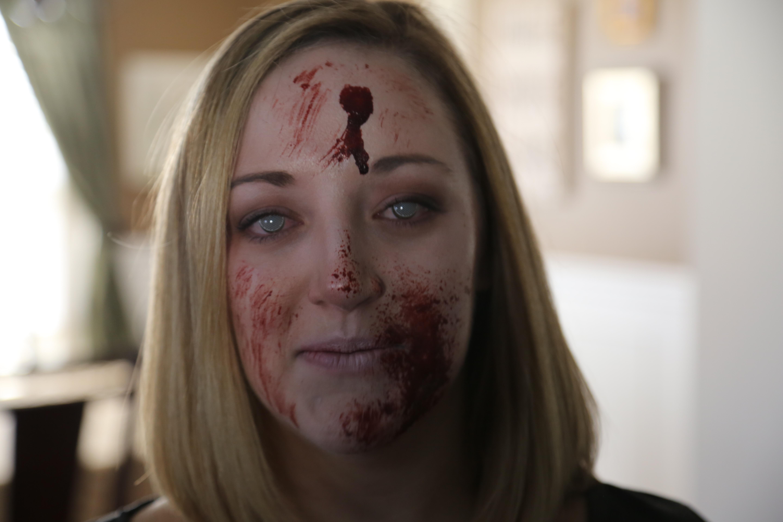 Stephanie Zombie 001