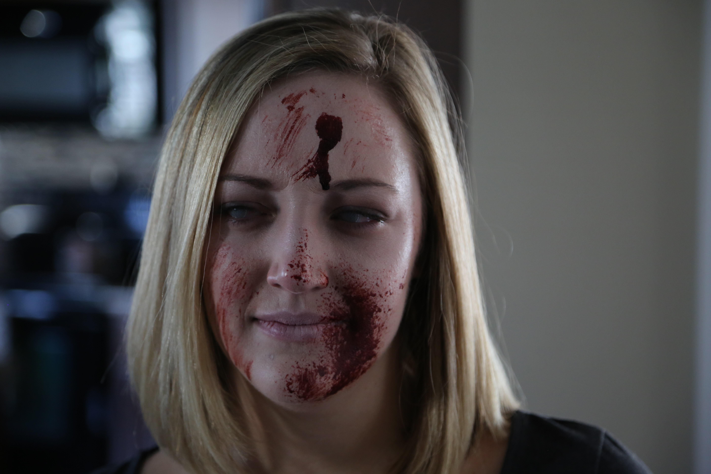 Stephanie Zombie 002