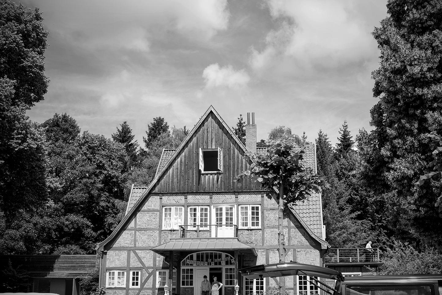 hochzeitsfotografie-hotel-waldhof-herrenland-waldhochzeit-landhochzeit-001