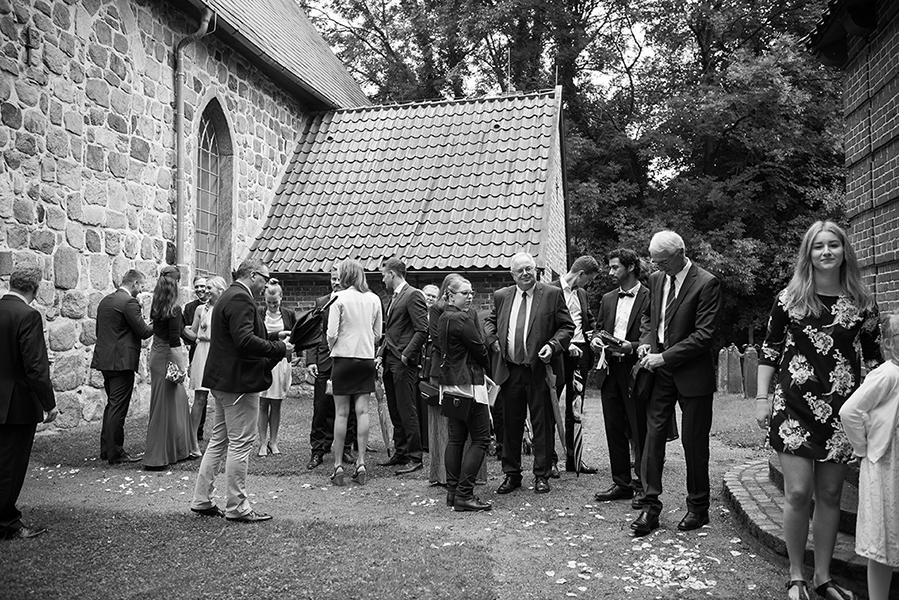 landhochzeit-himbeerhof-steinwehr-wald-schleswig-holstein-hochzeitsfotografie-fuerimmerdein-pictures