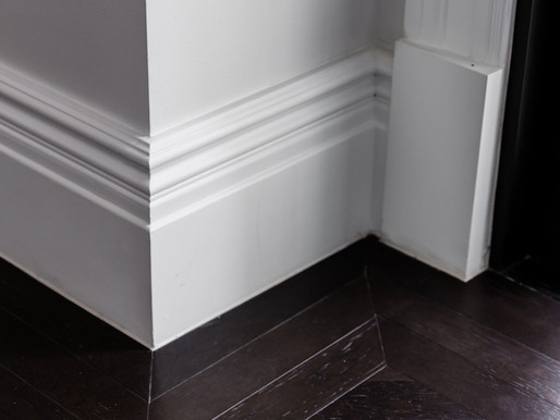 Sweep Your Skirting boards With a Dryer Sheet