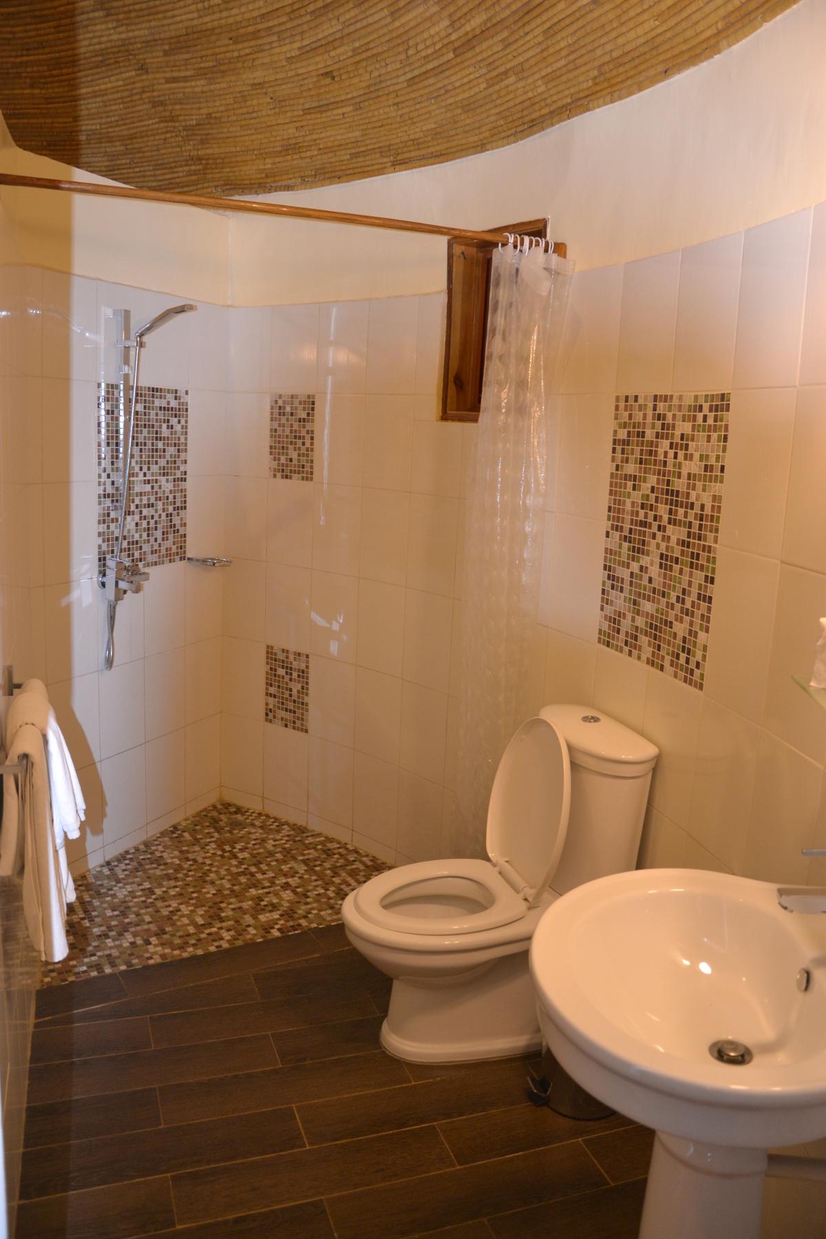 chambre sur jardin douche